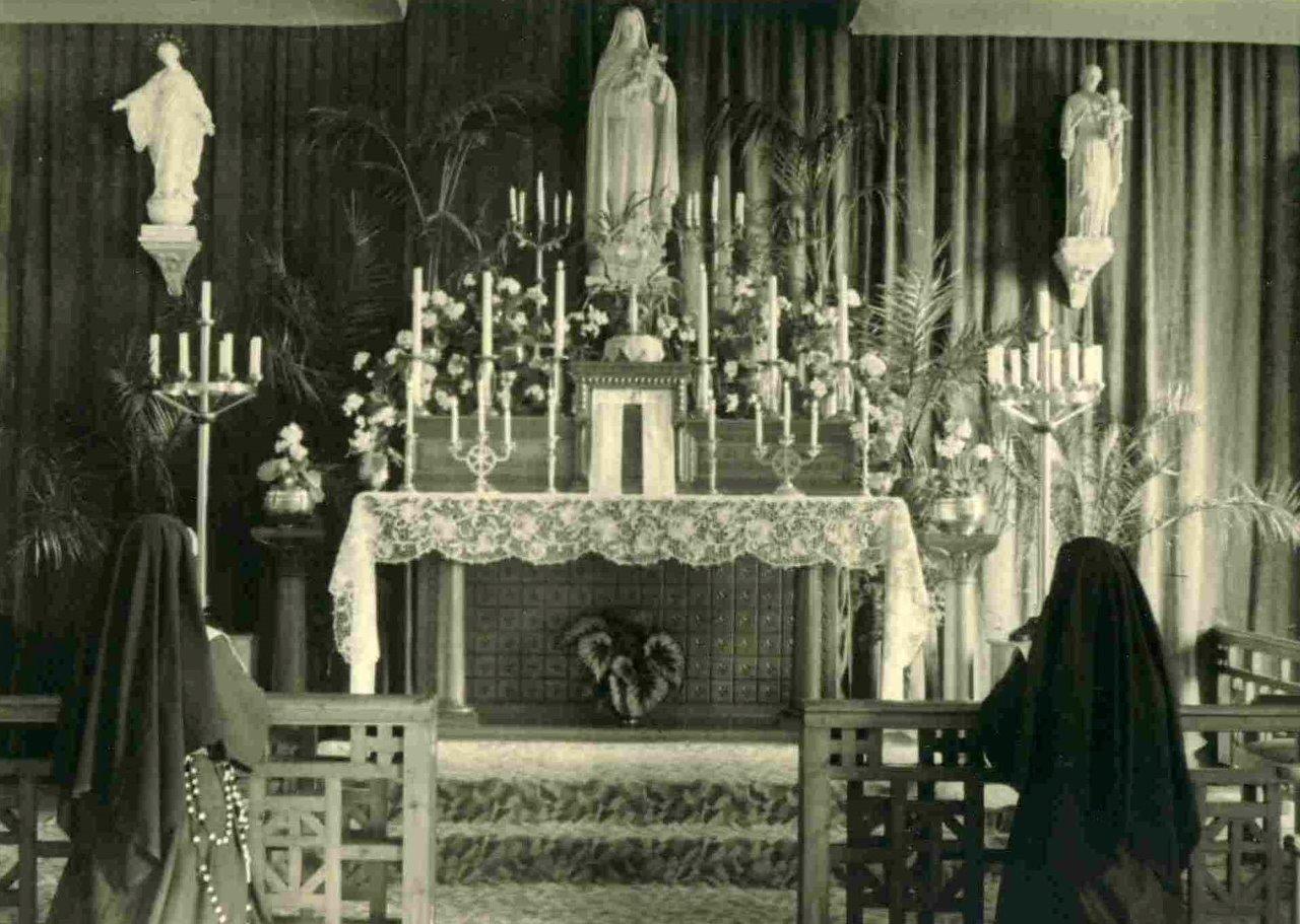 07_la_premiere_chapelle_de_la_maison_mere_-en_1935