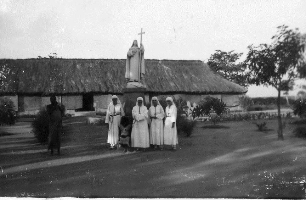 49_missionnaires_avec_sainte_therese