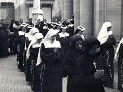 04_les_premieres_soeurs_font_leur_profession_religieuse