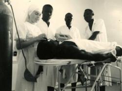 18_une_soeur_infirmiere_au_tchad