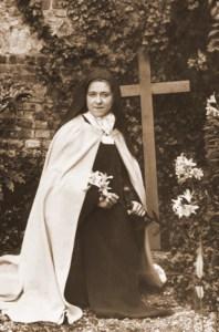Sainte-Therese-et-la-Croix