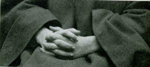 Les_mains_en priere_02